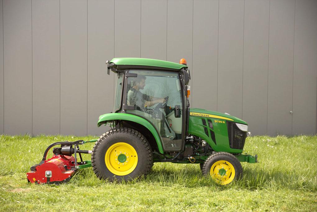 John Deere aktualizuje ciągniki kompaktowe