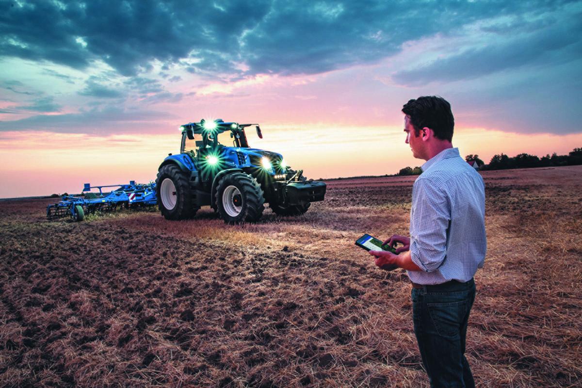 Marka New Holland ogłasza aktualizację platformy MyPLM Connect Farm